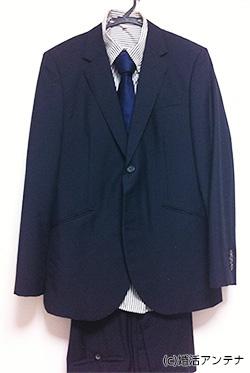 ボンバー波平が婚活パーティーに着て行ったスーツ。